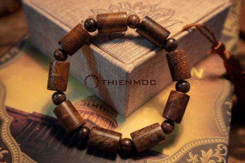 Vòng gỗ Muồng cho mệnh Kim